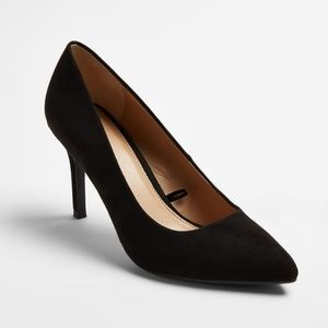 Black Pointed Toe Pumps